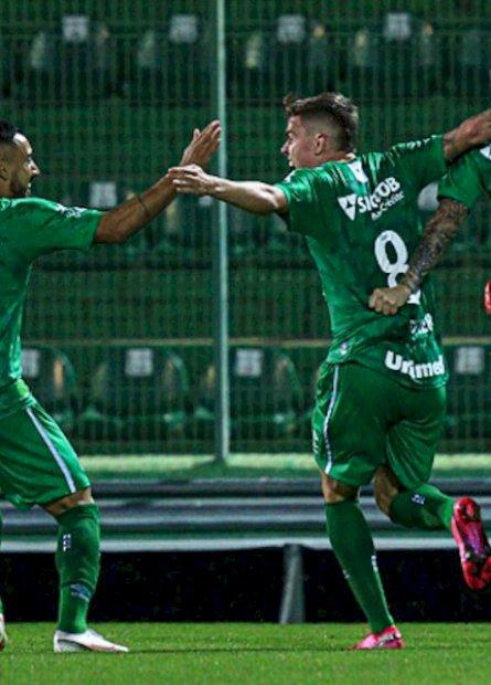 Chapecoense e Brusque saem na frente por final no Campeonato Catarinense
