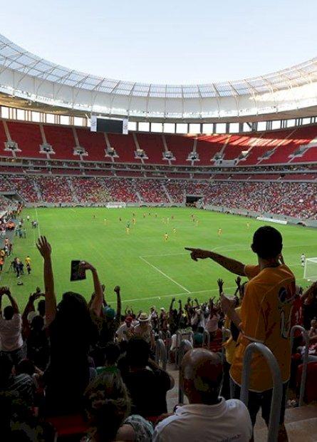 Lei  garante direito de transmissão de jogo de futebol para clube mandante